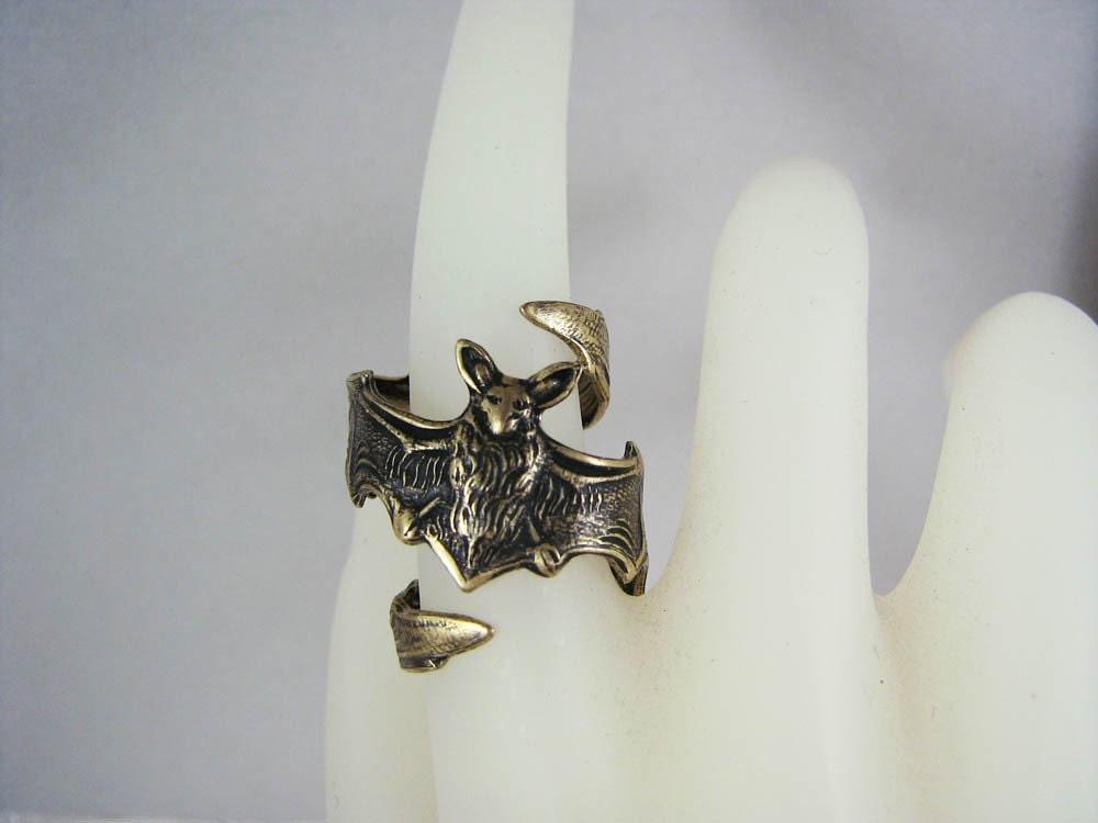 jewelry bat ring brass ox unisex