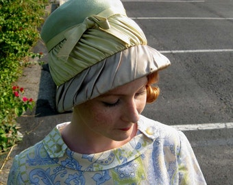 1960s Pastel Green and Gray Lampshade Style Hat