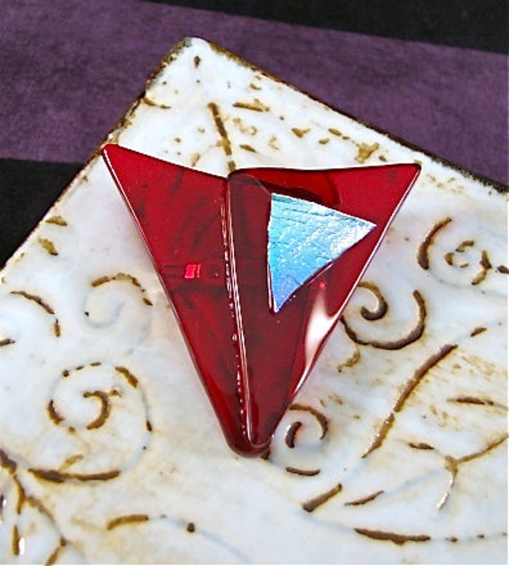 Abstract Heart Pin