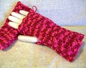 Fingerless Texting Gloves and Wrist Warmers Shaded Red & Pink