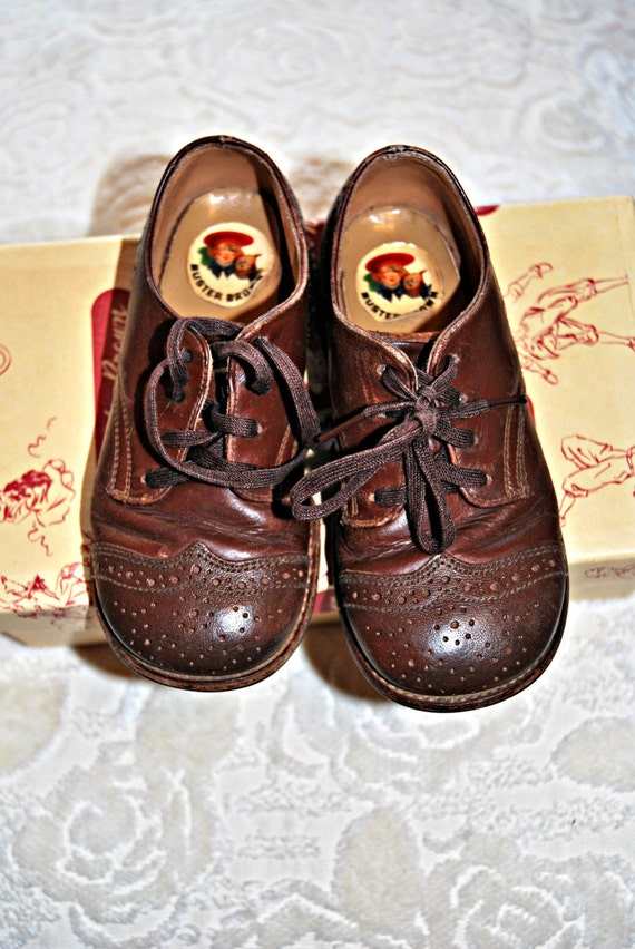vintage buster brown sz 7 leather saddle shoes from