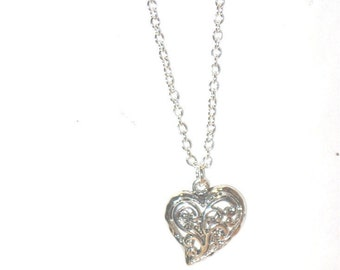 Silver Filagree Heart Necklace - 1239
