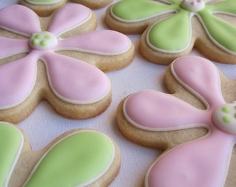 DAISY SUGAR COOKIES, 12 Decorated Sugar Cookie Party Favors