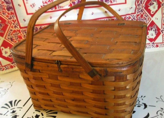 Real Vintage Pie Basket With Wooden Tray Inside, Lock Down Lid