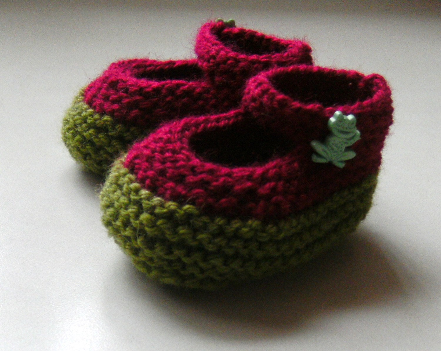 Hand Knitted Red and Green Baby Booties Mary by KnitAndCrochet2009