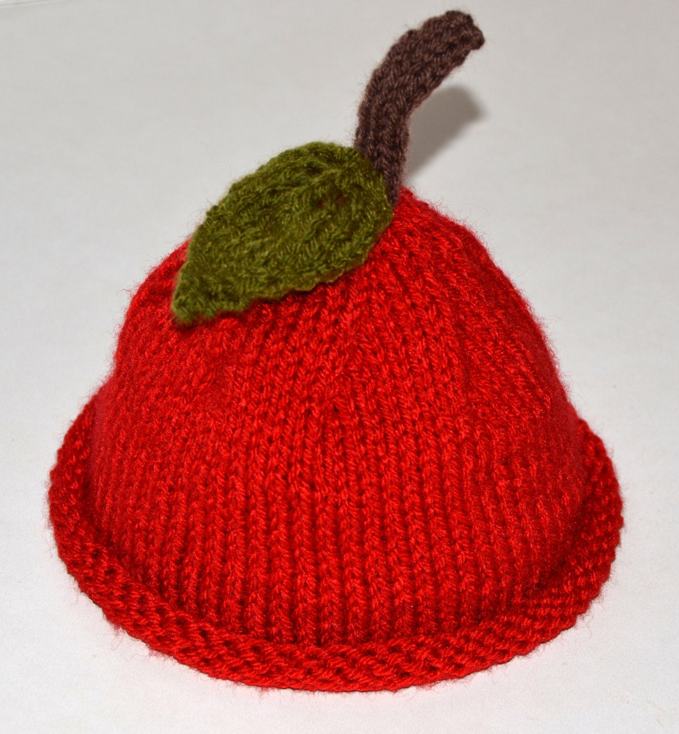 Apple Hat Knitting Pattern : Knit Apple Hat For Newborn Baby Girls and Boys Photography