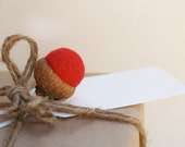 Rustic Gift Tags, Felted Acorns Christmas Gift Wrap, Red