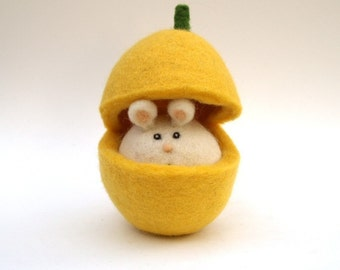 Easeter Toy, Butternut Pumpkin Mouse Cute Wool Felt Waldorf Handmade Spring Needle Children Kids Plush yellow mice