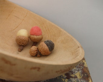 Natural Felted Acorns, Country Living, Simple Rustic Home Decor - 9