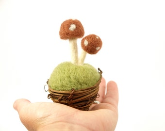 Fathers Day Gift, Natura Vine Nest with Green Moss and Needle Felted Brown Toadstools, Mixed Media Art, Whimsical Woodland Stocking Stuffer