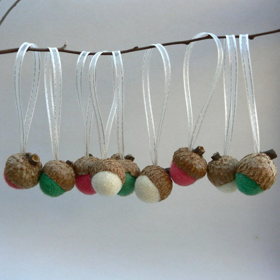 Acorn ornaments candy cane christmas tree decorations for Acorn decoration