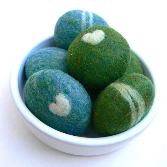 felted rocks pebbbles stones wool felt home decor natural