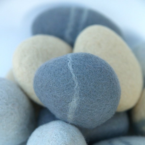 Felted stones pebbbles stones wool felt home decor all for Felted wool boulders