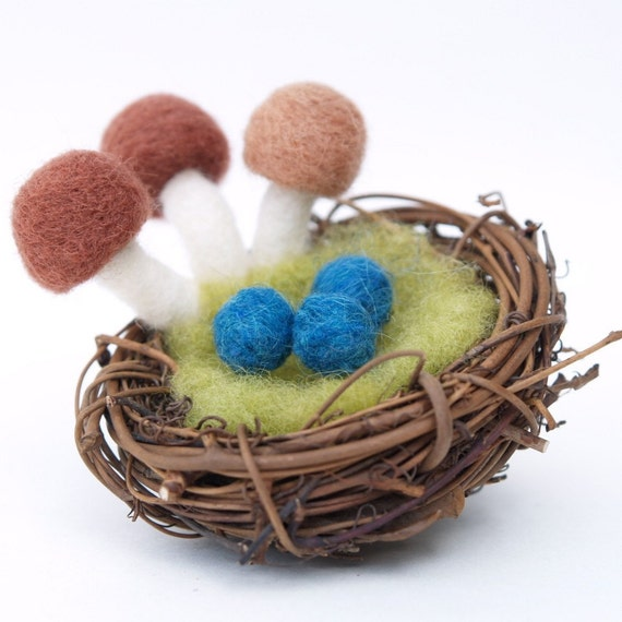 Spring Nest with Eggs and Mushroom Toadstools, needle felted Natural Home Decor, Waldorf Nature Table, Mother's Day Gift