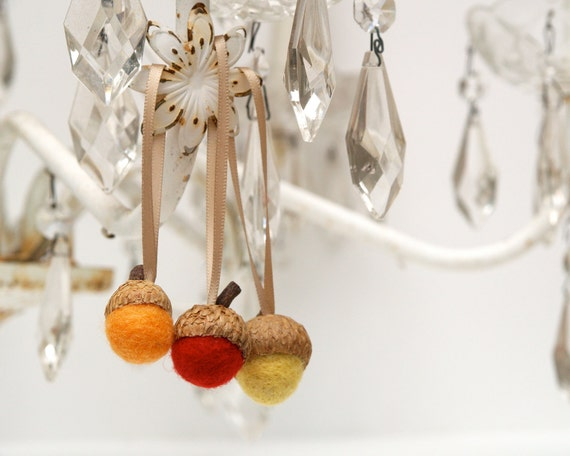 Fall Ornaments, Autumn Decorations, Felt Acorns, Needle Felted Home Decor, Natural Rustic - 9