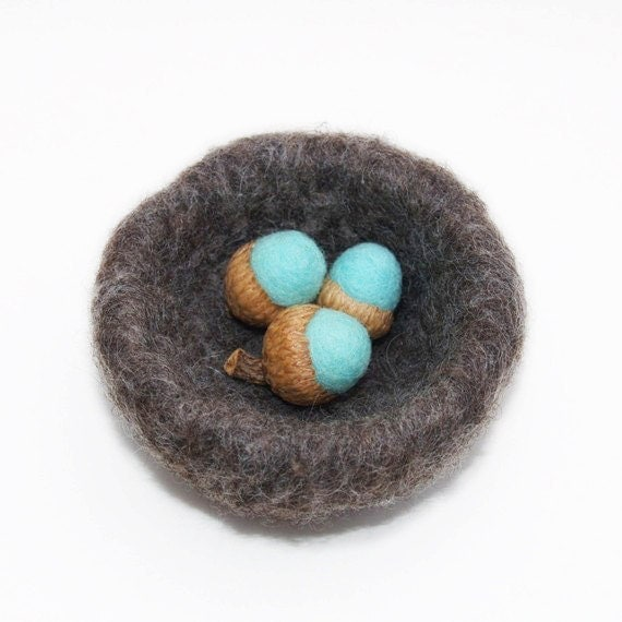 Needle Felted Robins Nest with Turquoise Blue Eggs - Christmas Gift