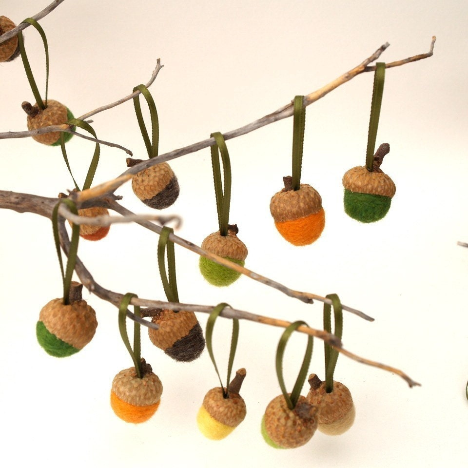 Felted wool acorn ornaments a nature inspired by fairyfolk - Acorn and chestnut crafts ...