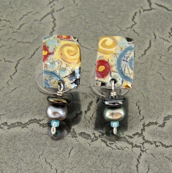 "Small Porcelain Stud Earrings with Pearls in ""Aqua Italiano"""