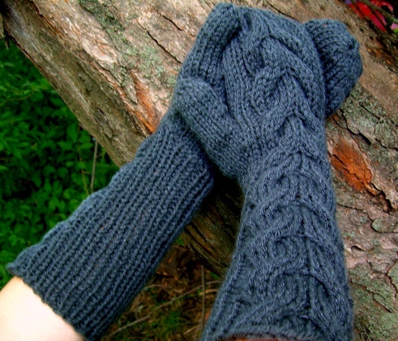 Bella Gloves Knitting Pattern : Bellas Mittens Twilight Look alike by KnitsCrochetAndMore