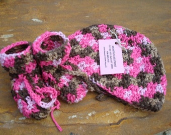 Hand-Stitched Toddler Girls Washable Hat and Bootie Set - Pink and Brown 343