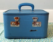 FILL IT UP Shipping Sale Vintage Monarch Blue Train Case