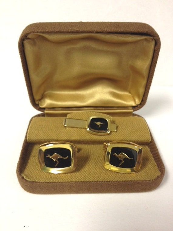 Awesome Austrailian kangaroo 60s/70s vintage mens cuff  links and tie clip set in original box mad men