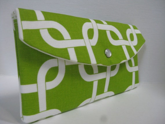 Gift Idea...The Jenna Clutch / Perfect for your Bridesmaids or any Gift Giving / Gotcha Links in Chartreuse w/ White