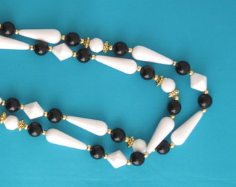 80s black, white and gold plastic necklace