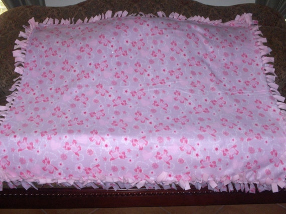 no sew fleece tie blanket pink unicorns on pale lavender 48 x. Black Bedroom Furniture Sets. Home Design Ideas