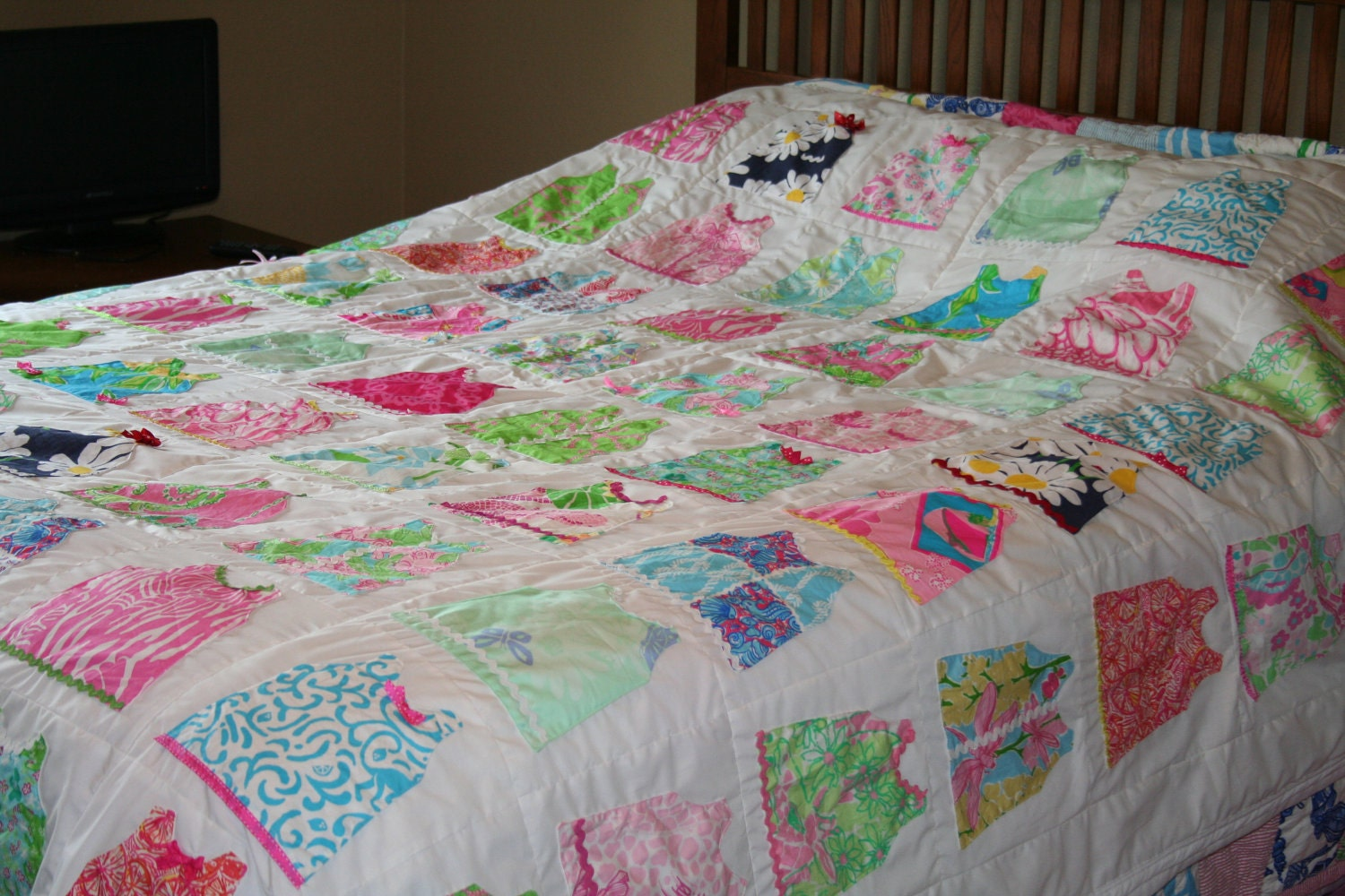 Queen size shift dress quilt made with Lilly pulitzer fabric : lilly pulitzer quilts - Adamdwight.com