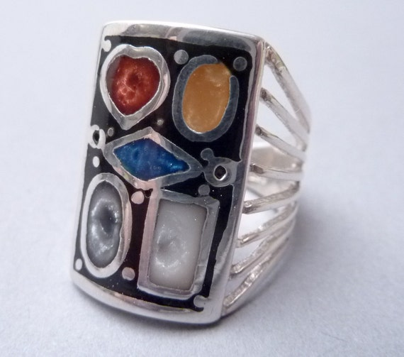 SALE ---- Vintage Sterling Size 6 1/2 Ring with Specimen Stone Shaped Wide Front