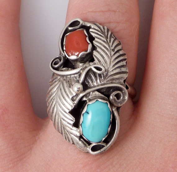 SALE ---- Size 7 Vintage Native American Turquosie and Coral Sterling Foliate Ring
