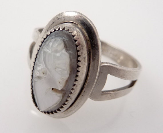 SALE ---- Vintage Sterling Sarah Coventry Size 8 1/4 Cameo Ring