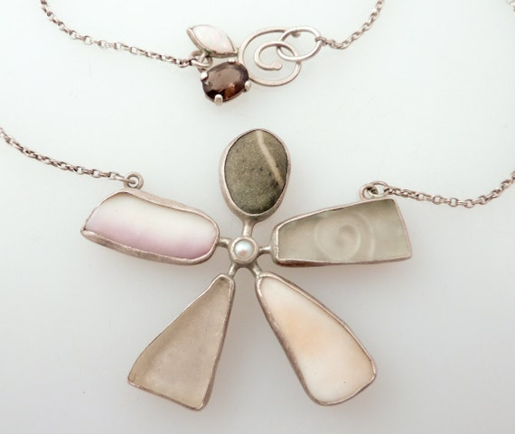 Vintage Funky Flower Specimen Stone & Shells Necklace