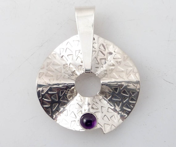 SALE ---- Vintage Sterling Jay King Wibbly Circle Amethyst Pendant