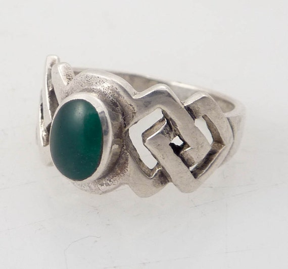 Size 4 Vintage Celtic Knots and Green Glass Ring