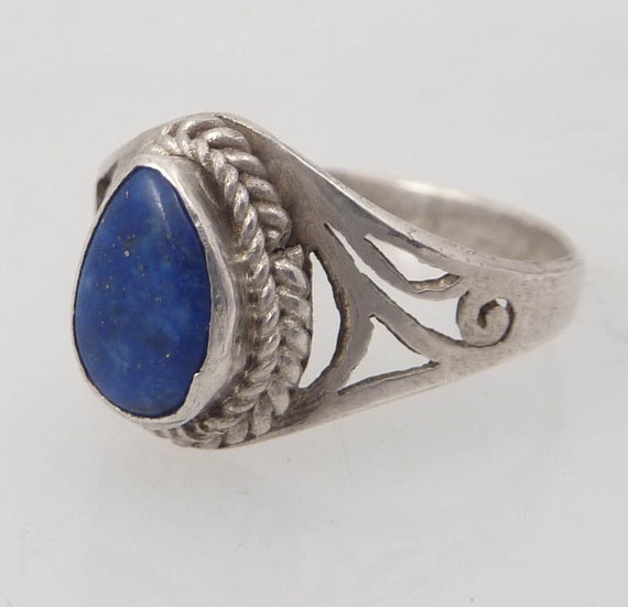 Size 6.75 Vintage Ocean Breeze Sterling and Lapis Ring
