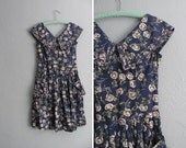 s a l e . vintage '80s/'90s navy blue FLORAL dress with large PETER PAN collar. size s.