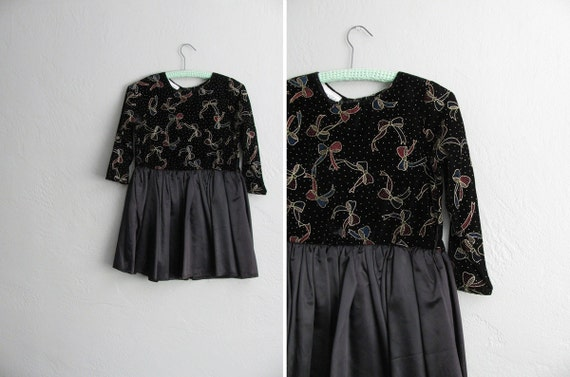 vintage '80s BEADED BOWS print & full skirt mini PARTY dress. women's size xxs xs / girl's size 10/12 (m).