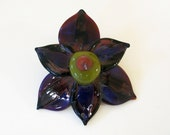 Borosilicate glass flower pendant by Veda Bickley