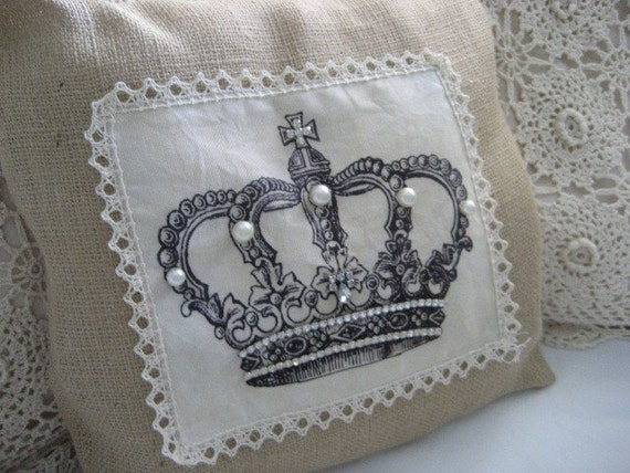 Shabby Chic Burlap Pillows : Shabby Chic Crown Burlap Pillow