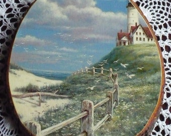 Sea Shell City souvenir - Seaside Lighthouse picture on slab wood