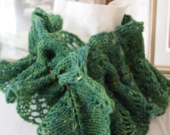 Vine Cowl Knitting Pattern