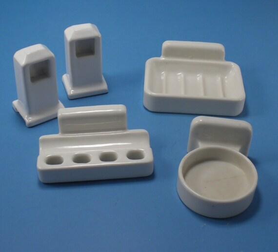 Vintage White Porcelain Bathroom Fixtures