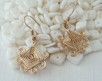 Hand woven 14kt Gold Wire Earrings, Scroll Ojos Earrings