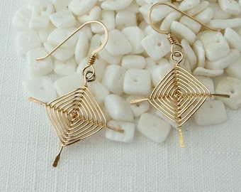 Traditional Ojos Wire-woven Earrings- Gold