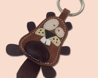 Cute little beaver animal leather keychain - FREE Shipping Wordlwide - Handmade Leather Beaver Bag Charm