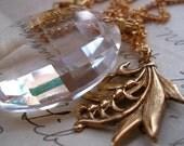 A La Claire Fontaine Necklace