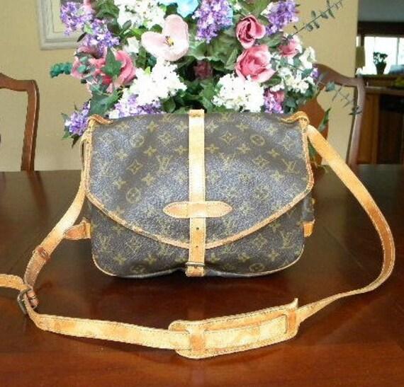 Sale Previously 295.00 Vintage Authentic Paris Louis Vuitton Monogram Saumur Bag Crossbody Purse