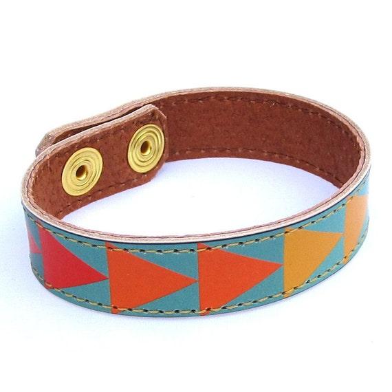 Leather Bracelet - Geometric triangles design